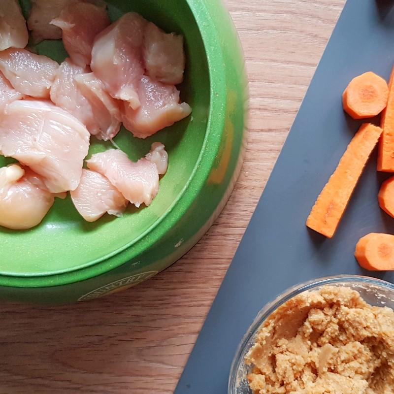 piščanec in korenčkov granulat proti driski pri psih
