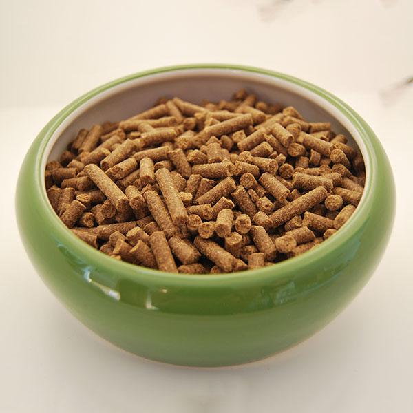 Peleti so majhni in lahko drobljivi. Še posebej okusni so, če jih na začetku prelijemo s kozjim mlekom.